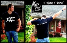 MXI - V-neck or crew-neck black